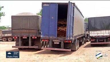 PRF apreende mais de 15 cargas de madeira ilegal em Rondonópolis - PRF apreende mais de 15 cargas de madeira ilegal em Rondonópolis