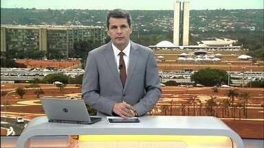 DF1 - edição de terça-feira, 15/10/2019 - Secretaria de saúde interdita uma enfermaria do hospital de Ceilândia por causa de alagamentos. Acidente mata duas pessoas na BR-020, umas das vítimas é o ex-jogador do brasiliense Agenor Ferreira. E mais as notícias da manhã.