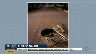 Morador de São Leopoldo reclama de buraco na rua há 15 dias - Veja foto do buraco.