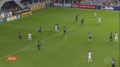 Santos vence o Ceará por 2 a 1 pelo Brasileirão - A virada mantém o Santos na briga pelo título.