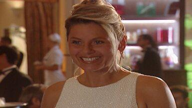 Capítulo de 06/06/2000 - Alma convida Helena para sentar-se com ela e os amigos. Luíza joga champanhe na cara de Edu e ele termina tudo. Ciça provoca Luíza e ela causa um escândalo na festa.