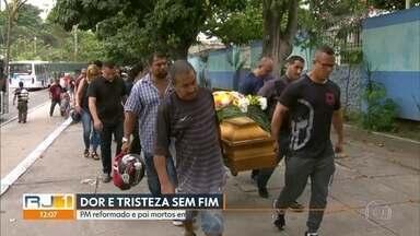 PM reformado e pai mortos em São Gonçalo são enterrados - Bandidos invadiram a casa do PM e atiraram contra ele, o pai e o irmão. Apenas o irmão sobreviveu.