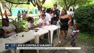 Postos de saúde estão abertos até às 17h para vacinar crianças contra o sarampo - Este sábado (19) é o dia D contra o sarampo.