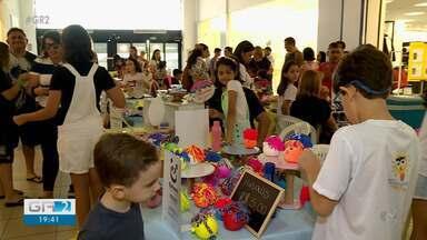 Estudantes de Petrolina participaram da feira do empreendedor mirim - O evento foi realizado no shopping e reuniu estudantes de uma escola particular da cidade.