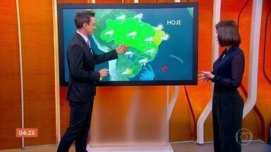 Previsão é de chuva nesta segunda-feira em boa parte do Centro-Oeste - O tempo fica frio na região Sul, no leste de São Paulo, Rio de Janeiro e sul de Mato Grosso do Sul.