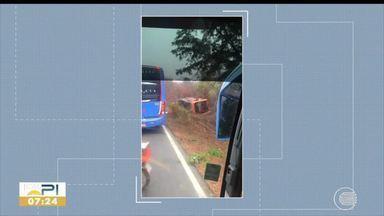 Acidente com ônibus deixa mortos e feridos na rodovia BR-135, no Piauí - Acidente com ônibus deixa mortos e feridos na rodovia BR-135, no Piauí