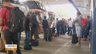 Feriadão movimenta rodoviária de Manaus - Fiscalização foi intensificada no local.