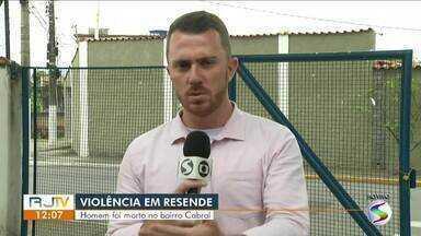 Homem é morto a tiros no Cabral, em Resende - Segundo a Polícia Militar, vítima tinha passagens criminais por ameaça e lesão corporal.