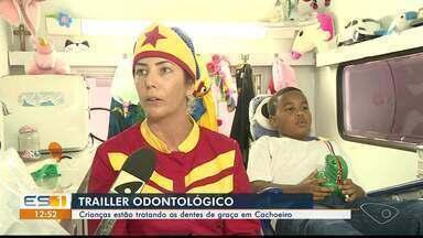 Crianças recebem tratamento odontológico gratuito em trailer, em Cachoeiro de Itapemirim - Projeto atende escolas estaduais.