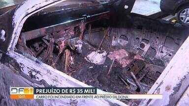 Carro pega fogo na Asa Norte - A dona acordou e levou um susto ao ver o incêndio pela janela.