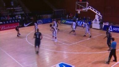 Bauru Basket sofre segunda derrota seguida no NBB - Jogando na capital, o time bauruense perdeu para o Pinheiros, por 76 a 68, e acumulou a segunda derrota em dois jogos disputados. Dragão fará agora sequência de cinco jogos seguidos em Bauru.