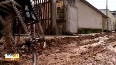 Ladeiras de bairro Porto, em São Matues, geram transtornos para moradores - A falta de conservação tem tornado um desafio passar pelas ladeiras.