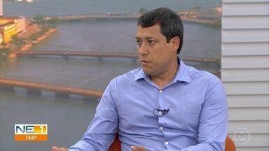 Diretor da CPRH afirma que, se não houver óleo em praias, é possível tomar banho - Eduardo Elvino disse, ainda, que orientação é baseada na detecção visual do óleo.