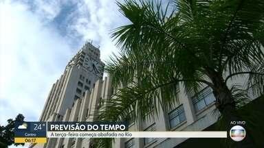 Confira a previsão do tempo para esta terça-feira (29) - Terça-feira começa abafada no Rio. Previsão de pancadas de chuva no final do dia.