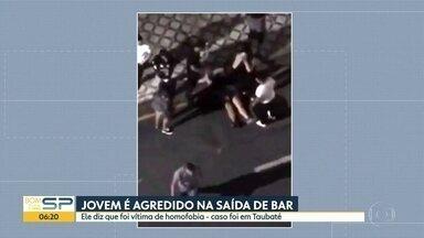 Jovem é agredido na saída de bar em Taubaté. - Ele diz que foi vítima de homofobia.