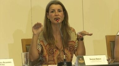 MP diz que depoimentos do porteiro do condomínio de Bolsonaro não condizem com a realidade - Segundo a promotora Simone Sibílio, as afirmações do porteiro não condizem com realidade.