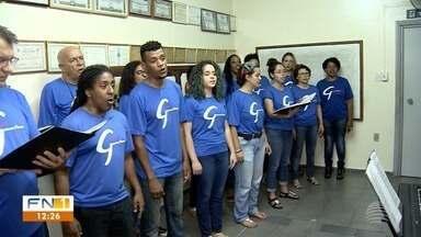 Coral formado em 1998 participará da 1ª Cantata Vozes do Natal - Evento da TV Fronteira vai reunir vozes de todo o Oeste Paulista.