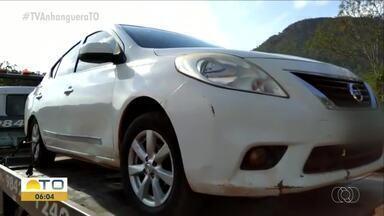 Ladrões roubam carro e sequestram mulher que estava dentro do veículo - Ladrões roubam carro e sequestram mulher que estava dentro do veículo