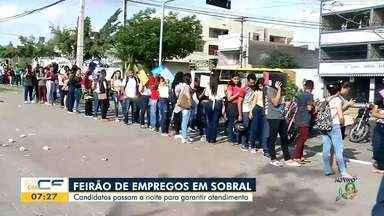 Candidatos em busca de emprego fazem fila de dar volta no quarteirão em Sobral - Saiba mais em g1.com.br/ce