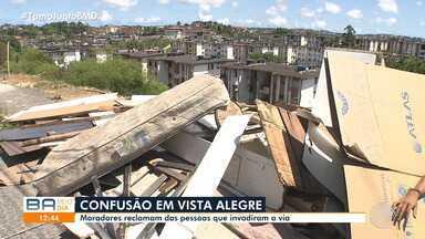 Moradores de Vista Alegre protestam contra operação que derrubou 30 casebres no bairro - Barracos foram retirado na quarta-feira (30) e situação deixou os residentes sem saber para onde ir.