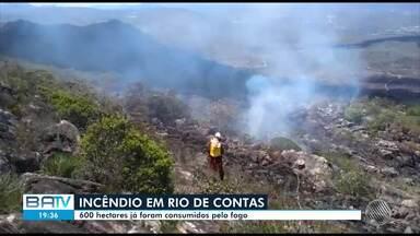 Fogo já destruiu área de mais de 600 campos de futebol em Rio de Contas e Livramento - Incêndio teve início na terça-feira (29) e ainda não foi controlado.