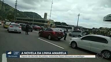 Motoristas fazem protesto na praça do pedágio da Linha Amarela - Motoristas fizeram um protesto na praça do pedágio da Linha Amarela contra a cobrança de pedágio