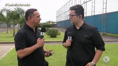 Confira a provável escalação do Grêmio para o Gre-Nal 422 - Assista ao vídeo.