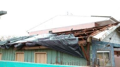 Defesa Civil divulga hoje novo levantamento dos estragos do temporal - Pelo menos 100 casas foram atingidas em Lagoa Vermelha.
