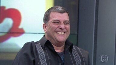Luciano Huck homenageia Jorge Fernando - O apresentador lamenta a morte do amigo ator e diretor, que teve uma parada cardíaca na noite de domingo, 27/10
