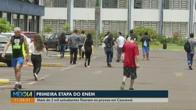 Mais de dois mil estudantes participam da primeira fase do Enem em Cascavel - Não foram registrados problemas ou confusão no fechamento dos portões.