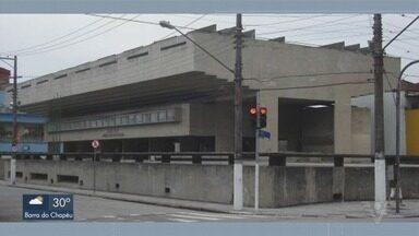 Câmara de Vereadores de Santos recebe prédio histórico do município - Prédio do Colégio Acácio de Paula Leite Sampaio já foi premiado em salões de arte por conta da arquitetura moderna.
