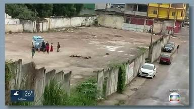 Polícia investiga a participação de milicianos na chacina de 4 rapazes em Nova Iguaçu - Um dos suspeitos tem mandado de prisão pro outros crimes.