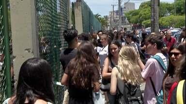 Estudantes participam do primeiro dia de prova do Enem no Alto Tietê - Segundo dia de prova será no domingo, dia 10.