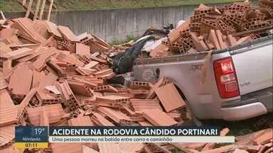 Colisão entre caminhonete e caminhão mata motorista em Brodowski, SP - Acidente ocorreu na Rodovia Cândido Portinari nesta terça-feira (5).