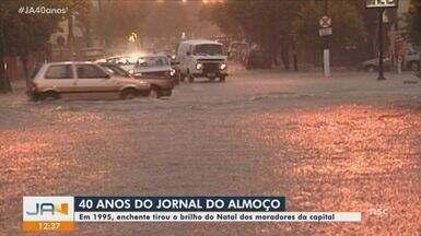 Jornal do Almoço relembra enchente durante o Natal em 1995 em Florianópolis - Jornal do Almoço relembra enchente durante o Natal em 1995 em Florianópolis