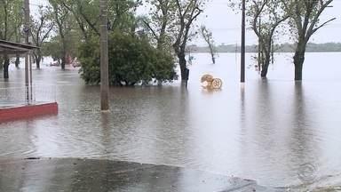 Prefeitura de Rosário do Sul não tem verba para consertar estragos das chuvas - Três escolas ainda estão com as aulas suspensas por causa da chuva.