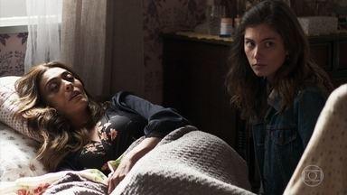 Maria da Paz fica em choque após saber que Jô foi presa - Ela recebe alta do hospital