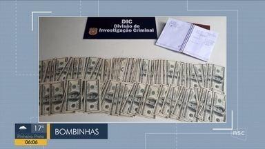 Giro de notícias: Homem é preso com 17 mil dólares em Bombinhas - Giro de notícias: Homem é preso com 17 mil dólares em Bombinhas