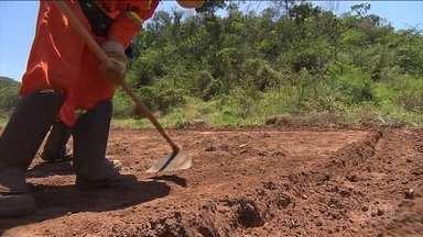 Material que vazou da barragem da Samarco, em Mariana (MG), continua altamente contaminado - O desastre completou quatro anos. O relatório aponta perigos urgentes para saúde dos moradores das cidades atingidas pela lama.