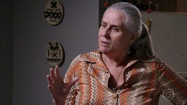 Lucinda alerta Nina para não ser como Carminha - Nina agradece a ajuda de Betânia