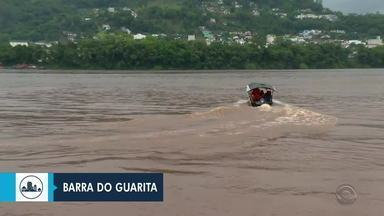 Três pessoas seguem desaparecidas após embarcações virarem - Acidentes acontecerem em Barra do Guarita e em São José do Norte. Neste, três tripulantes foram encontrados mortos.