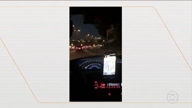 Motorista de aplicativo agride três passageiras em São Paulo - Integrantes da equipe do ator Felipe Titto reclamaram com o motorista, porque acharam que ele dirigia de forma perigosa.