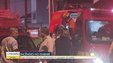 Incêndio assusta moradores e vizinhos no Embaré, em Santos - Fogo começou em veículo estacionado no mezanino de um edifício e espalhou pelo prédio.