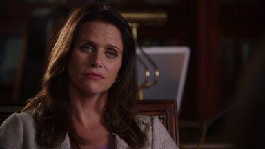 Duplicidade - A próxima vítima de Emily é uma terapeuta renomada, que cuidou dela quando criança. Conrad visita Lydia e Victoria enquanto Declan e Jack encaram uma difícil decisão.