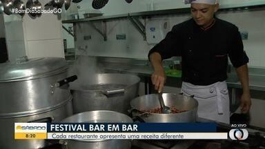 Confira preparação de petisco do Festival 'Bar em Bar' em Goiânia - Evento reúne quase 40 estabelecimentos, que oferecem pratos para duas ou quatro pessoas, com preços promocionais, a partir de R$ 25.