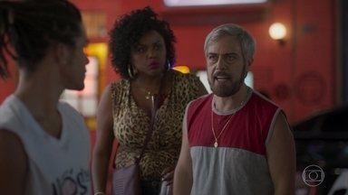 Tonho não consegue perdoar Waguinho - Lulu defende Waguinho e Tonho discute com ela