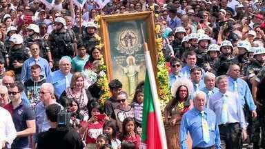 Cerca de 450 mil pessoas celebram Nossa Senhora da Medianeira em Santa Maria - Veja como foi o domingo (10) dos devotos.