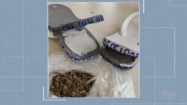 Mulher tenta entrar em presídio com drogas escondidas dentro de chinela - Caso aconteceu em Anápolis.