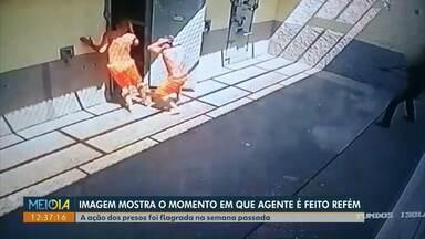 Imagem mostra momento em que agente penitenciário é feito refém em Piraquara - Agente ficou 24 horas nas mãos de três presos. Caso aconteceu na semana passada.