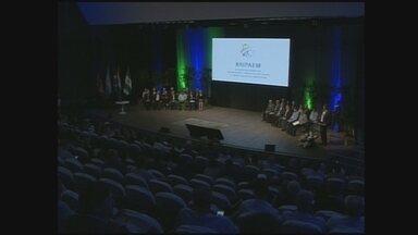 Fórum 'Agro Sem Fronteiras' discute agronegócio em Chapecó; Darci Debona comenta - Fórum 'Agro Sem Fronteiras' discute agronegócio em Chapecó; Darci Debona comenta